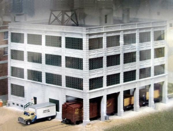 933-3232 N Scale Hardwood Furniture Factory